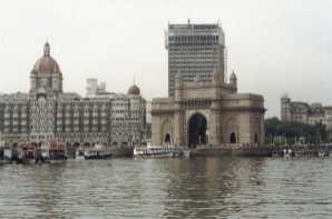 Gateway Of India and Taj Hotel, Mumbai (India)